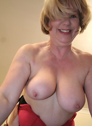 Mature Natural Tits Porn Pictures