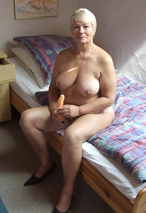 Short Hair Mature Porn Pictures