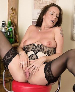 Mature Big Natural Tits Porn Pictures