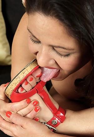 Mature Toe Sucking Porn Pictures